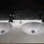 Tvättbänken får vatten och avlopp